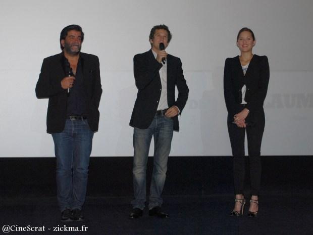 Alain Attal (Producteur), Guillaume Canet (Réalisateur) et Marion Cotillard (Actrice) lors de l'avant-première à l'UGC Ciné Cité Bercy