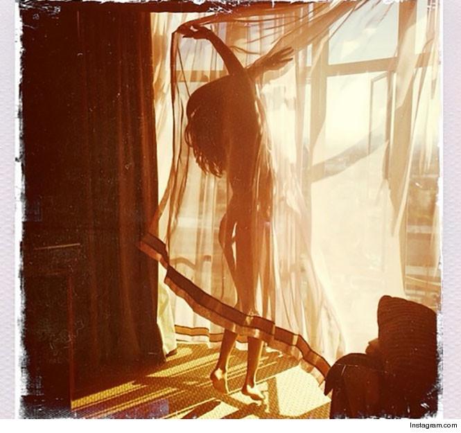 Selena Gomez nue