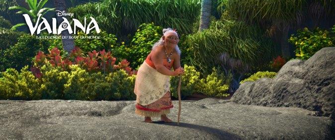 Tala est la grand-mère de Vaiana, et sa plus grande confidente. Vaiana tient d'elle son lien intime avec l'océan. Bien que son fils Tui ne soit autre que le chef très pragmatique des Motunui , Tala ne se laisse dicter sa conduite par personne.