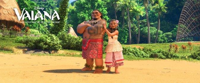 Tui, le père de Vaiana, est le chef avenant et respecté de l'île Motunui. Il désire que Vaiana lui succède à la tête de son peuple mais appréhende l'attrait de sa fille pour l'océan et le monde de l'autre côté de la barrière de corail.