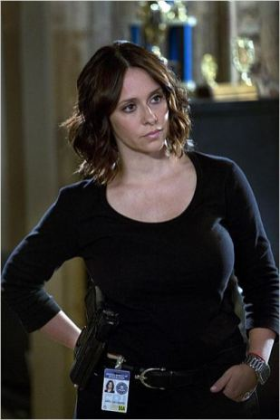 hors-series-14-ghost-whisperer-08