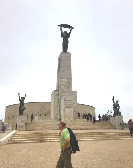 Pomnik Wolności Wzgórze Gellerta