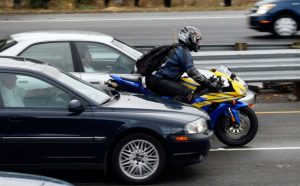 Motorcycle Lane Splitting 626x389 300x186 - Motorcycle-Lane-Splitting-626x389-300x186