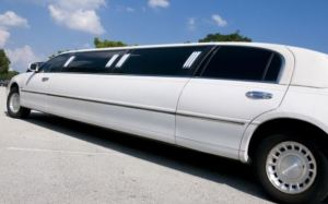 limo photo 2 300x187 - NY Protects Limo Passengers, Toughens Laws For Limo Operators In Response To Crash That Killed 20