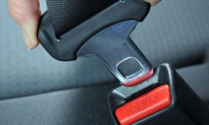 seat belts 300x179 - Buckle Up In The Back Seat: NY Working Toward Requiring Seat Belts For ALL Passengers