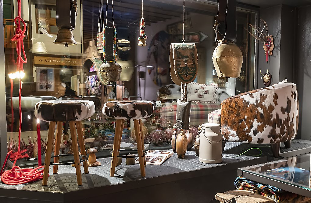 Lo Showroom di via Cesare Battisti Zig Zag Cortina