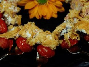 tomato bocconcini and basil skewer