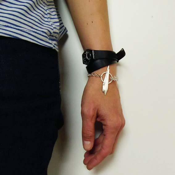 HOEKED Armband Double Pin