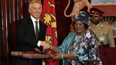 Photo of Chakwera hires Tony Blair as advisor, gives him office at Malawi State House