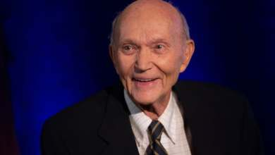 Photo of Apollo 11 astronaut Michael Collins dies aged 90