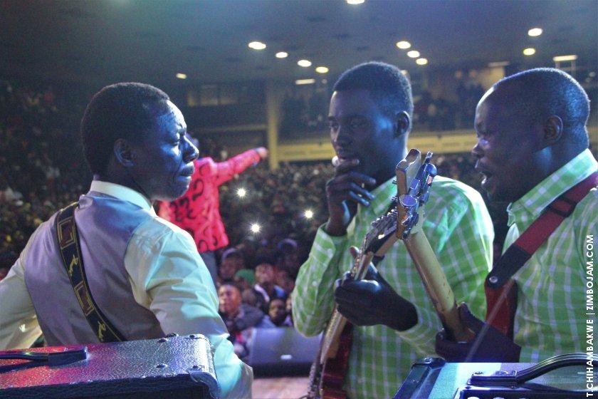 The final talks before action began. PIC:T. CHIHAMBAKWE | ZIMBOJAM.COM