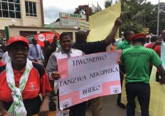 Zimbabwe police arrest 10 union officials as clampdown deepens