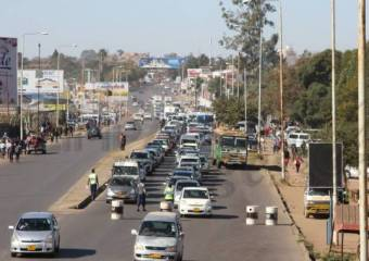 JUST IN: Zimbabwe Security Forces block traffic into Harare CBD