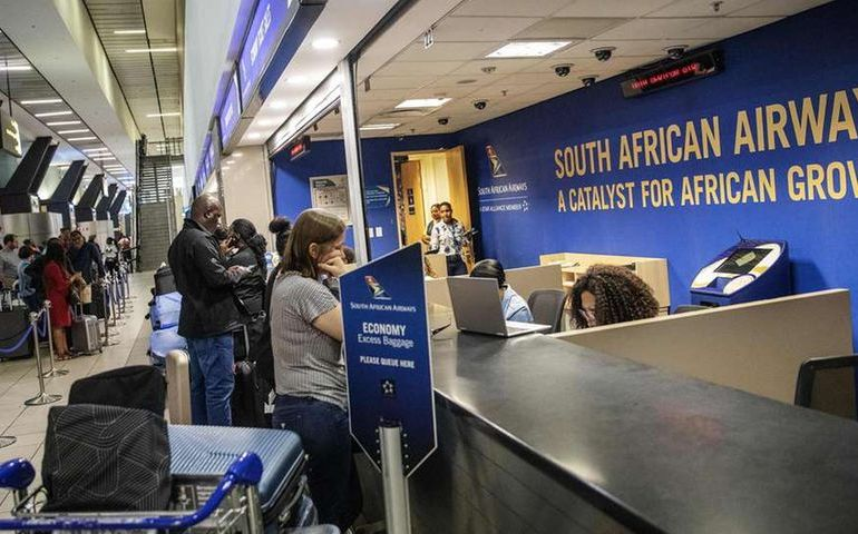Five countries ban flights from S.Africa over Covid-19 variant