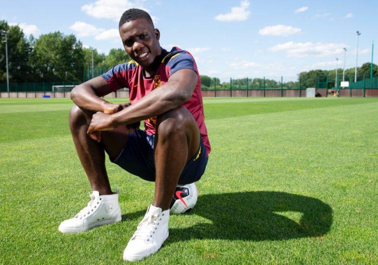 Aston Villa midfielder Marvelous Nakamba pays school fees for 1,000 students
