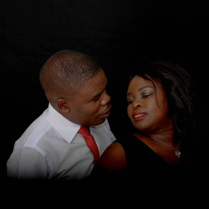 WEDDING BELLS :COMIC PASTOR TO WED SWEETHEART ON CHRISTMAS