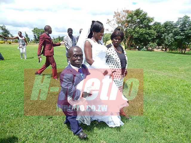 'GEDE MAWANA GEDE' DANCER TIES THE KNOT