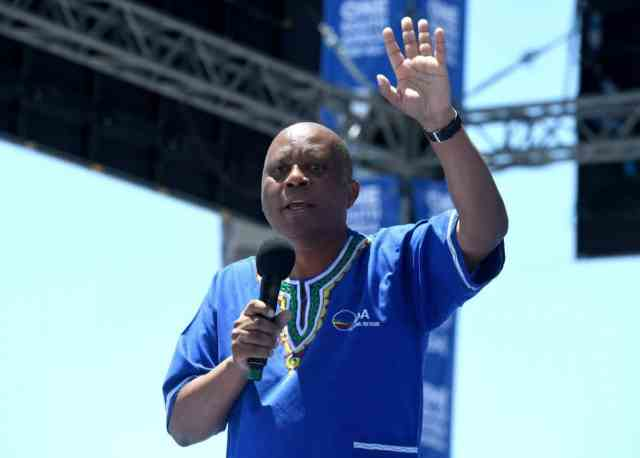 """Xenophobic violence: Herman Mashaba says """"there is no need to apologize"""""""