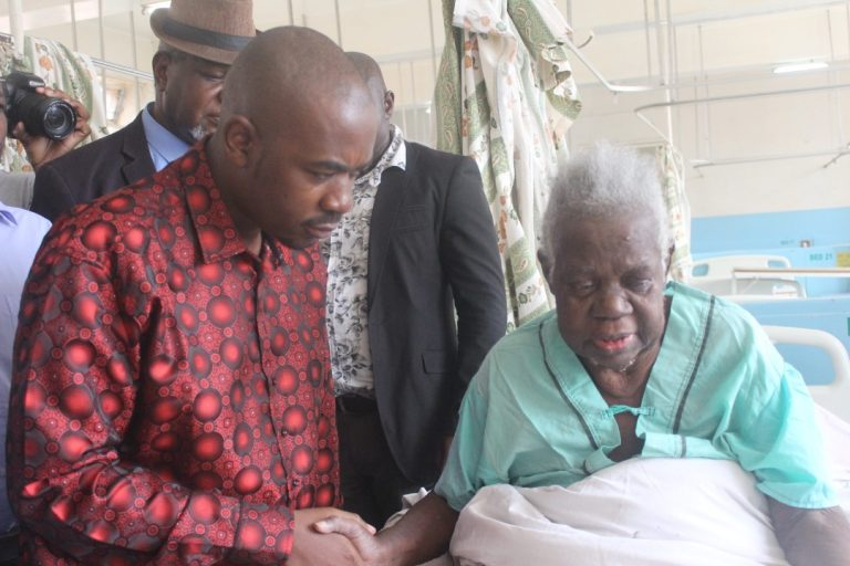 Govt Warns Politicians Against Randomly Visiting Patients In Hospital