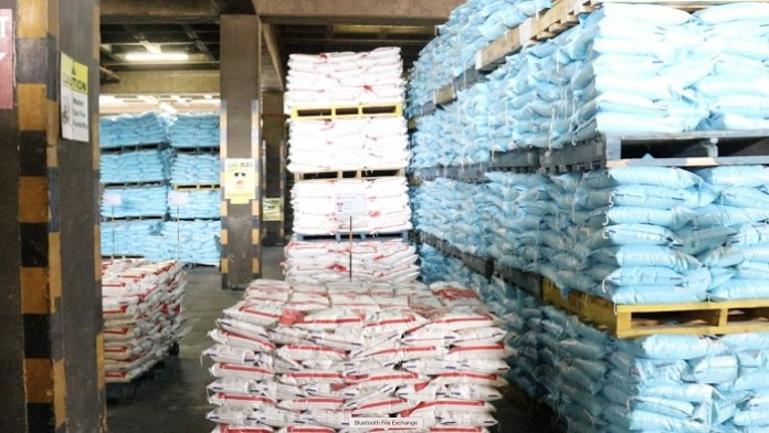Police raid 5 000 tonnes of hoarded mealie-meal from millers