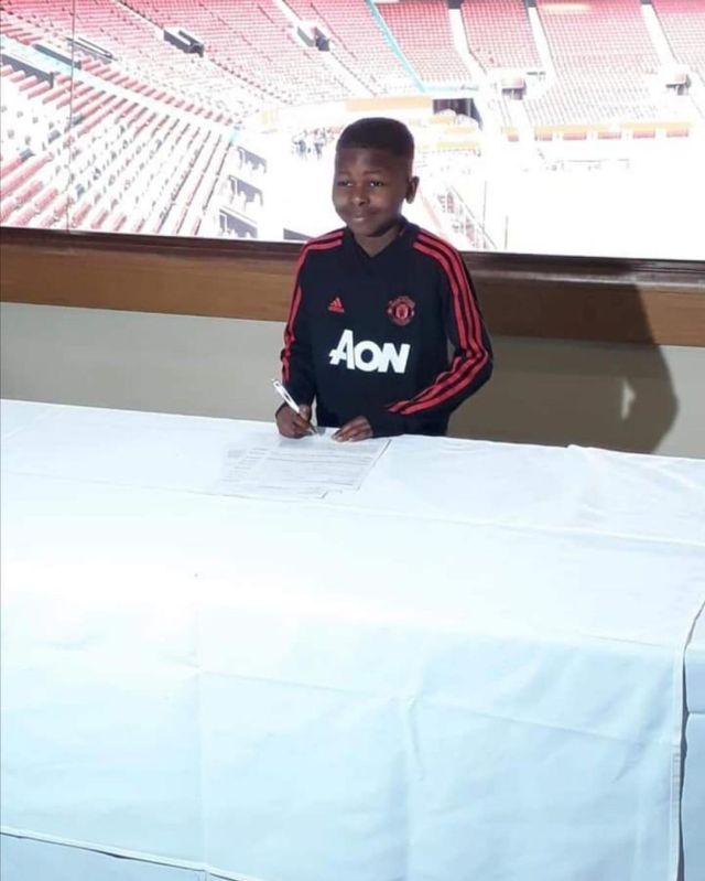 Another young Zimbabwean joins Manchester United: Pictures