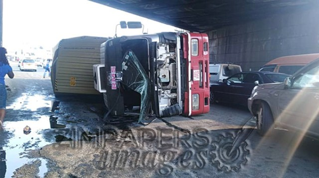 Flyover accident causes heavy congestion