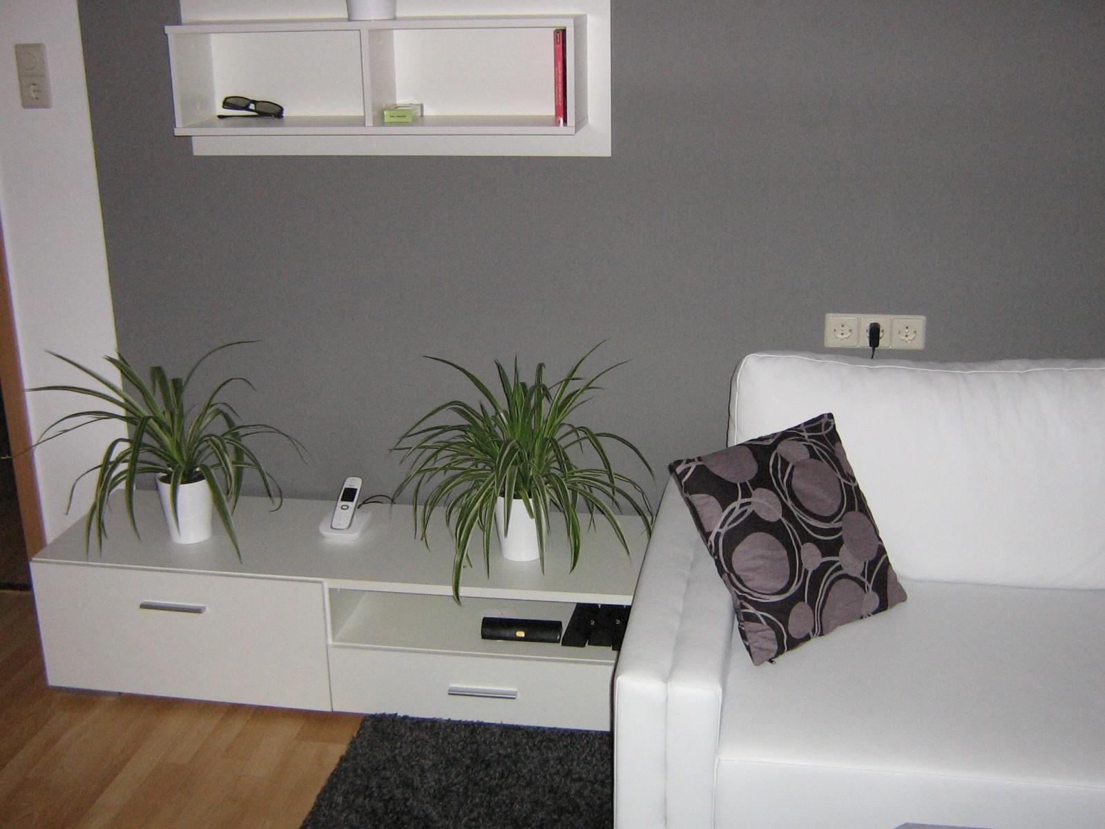 Wohnzimmer WOHNZIMMER IN GRAU WEI GRN  Mein Domizil mit neuen Farben  Zimmerschau