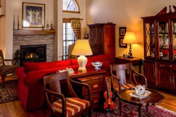 Vintage im Wohnzimmer  mit antiken Mbeln zum antiken Look  Zimmerschau