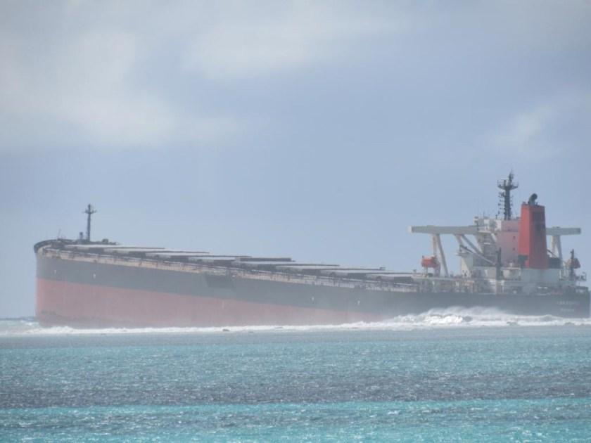Une partie du MV Wakashio a déjà touché le fond