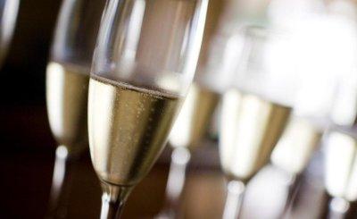 Šampano taures