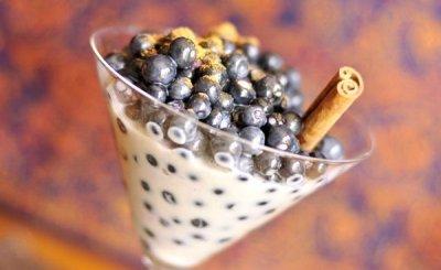 Mėlynių desertas su cinamonu: prašmatnumas paprastume