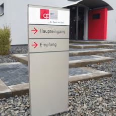 NDT Quality Center – Hinweisbeschilderung durch Pylone