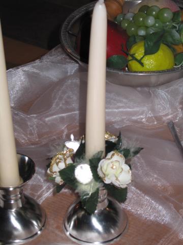 Kerzenstöckli mit Zierkränzchen
