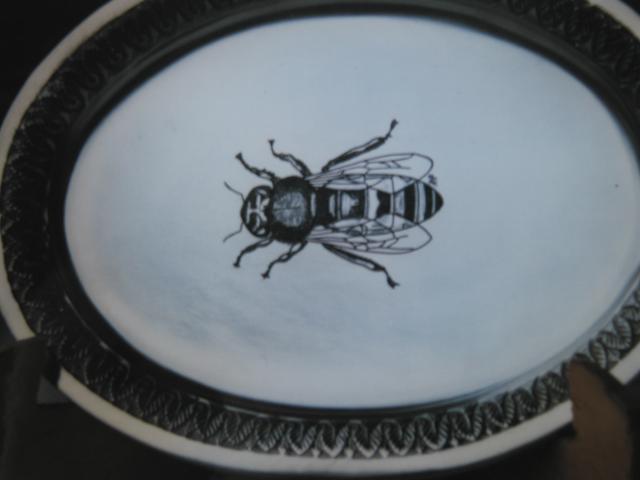 Liquerservice mit Bienengravur