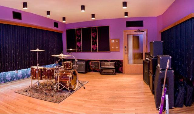 Steve Vai vende il suo studio ad Hollywood  ZioMusicit