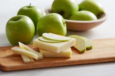 apple-cheese-snack-400x267