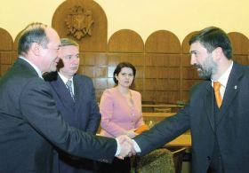 Картинки по запросу băsescu și voronin