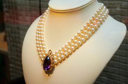 Imagini pentru bijuterii de epoca