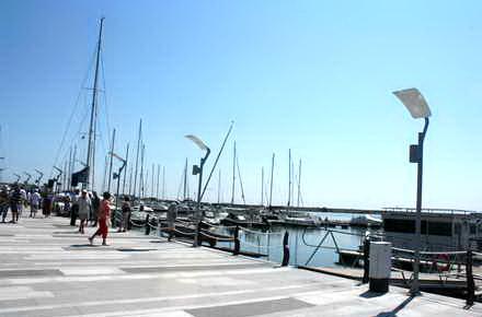 turisti_Mangalia_port_turistic.jpg