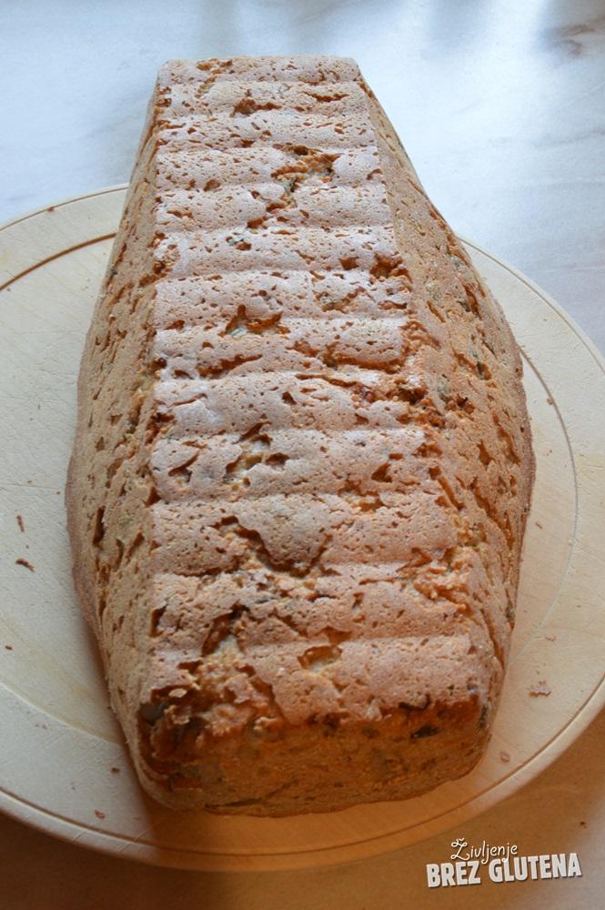 ajdov kruh z ajdovimi kalčki brez kvasa, fermentiran 8