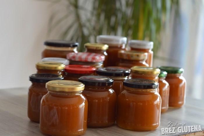 sliviova marmelada z zaćimbami in limono 4