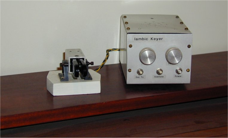 Low Current Lightweight Battery Powered Iambic Morse Keyer