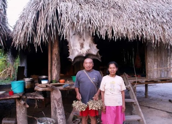 Inhabitants of the Peruvian Amazon village of Colombiana, who were recently raided by a neighboring Amazonian tribe. Photo: C. FAGAN, UPPER AMAZON CONSERVANCY