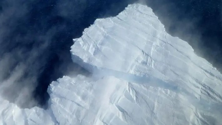 Two Antarctic ice shelves on the verge of collapsing—the Pine Island Glacier (shown) and the Thwaites Glacier—will cause the ultimate collapse of the entire West Antarctic Ice Sheet. Credit: NASA