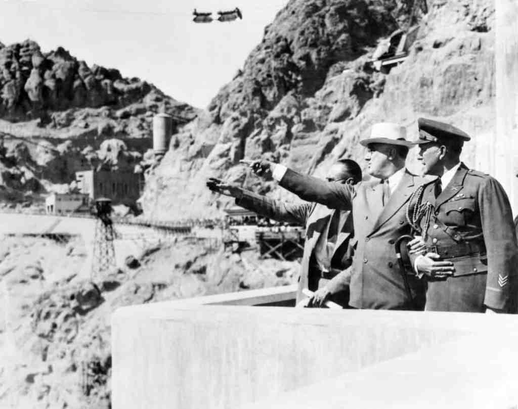President Franklin D. Roosevelt tours the dam (1935). Credit: CORBIS