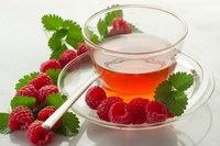 Чай с малиной – способы заварки, польза, вред