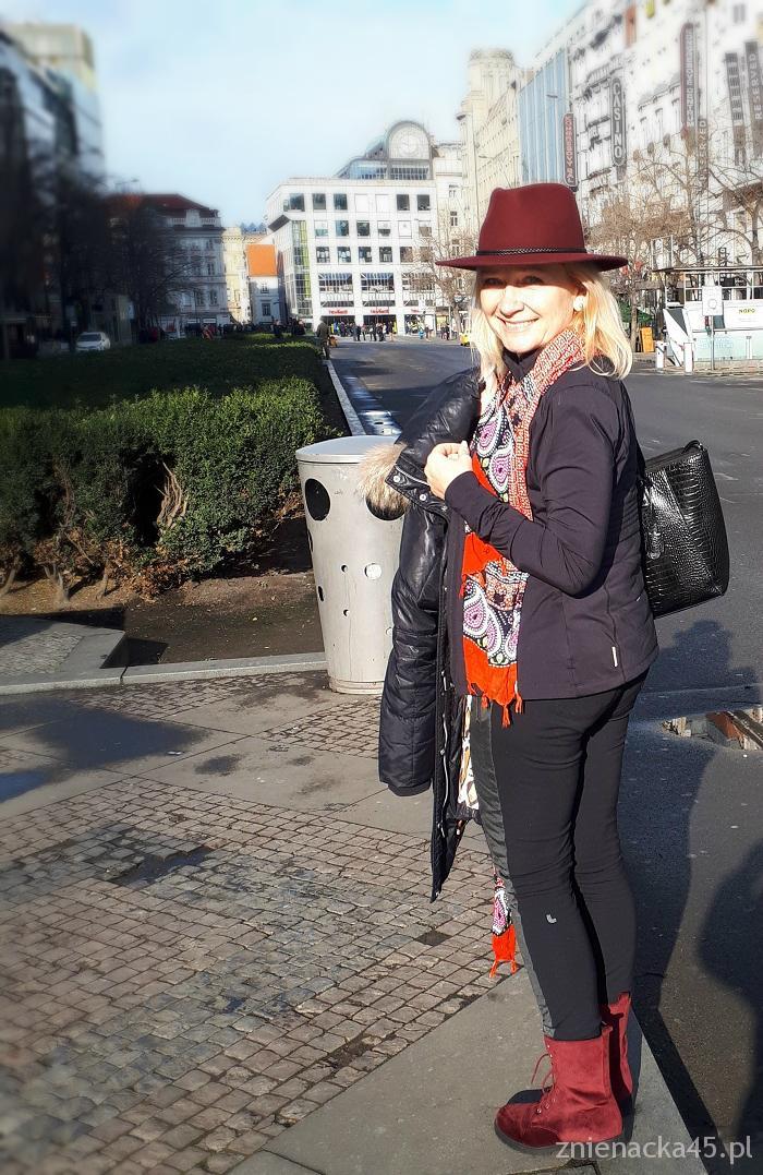 bordowy-kapelusz-5a