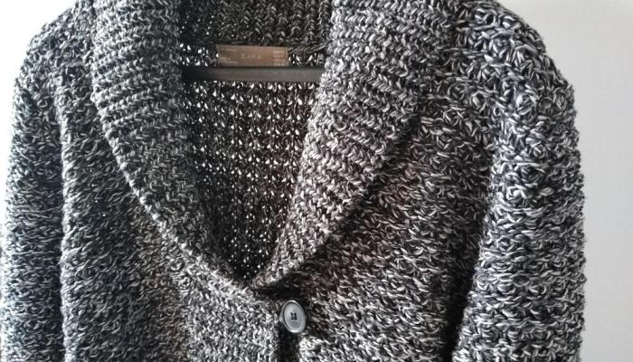 Minimalizm. To dużo powiedziane. Elegancki sweter szary melanż Zara rozmiar M