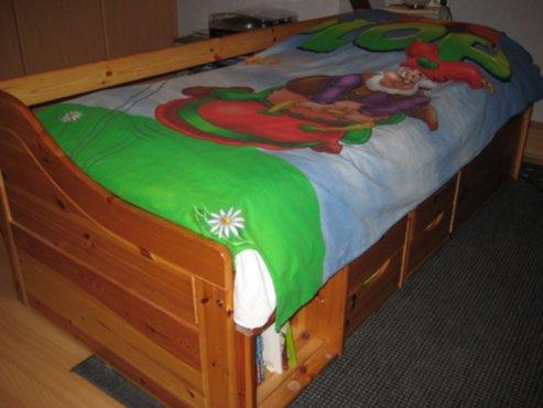 meubelen  Bed met bergruimte  Zoekertjesnet