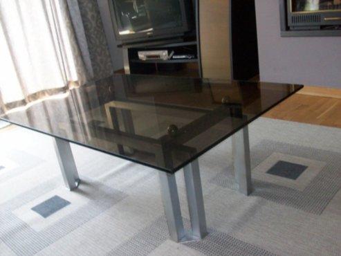 meubelen  Grijze eiken eetkamer met marmere tafel en 6